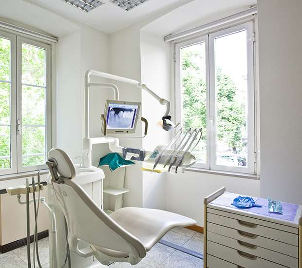 Urgent Signs That You Should Visit The Dentist